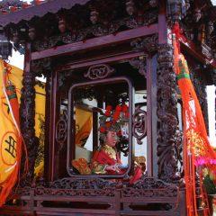 大間稲荷神社と天妃神拝殿